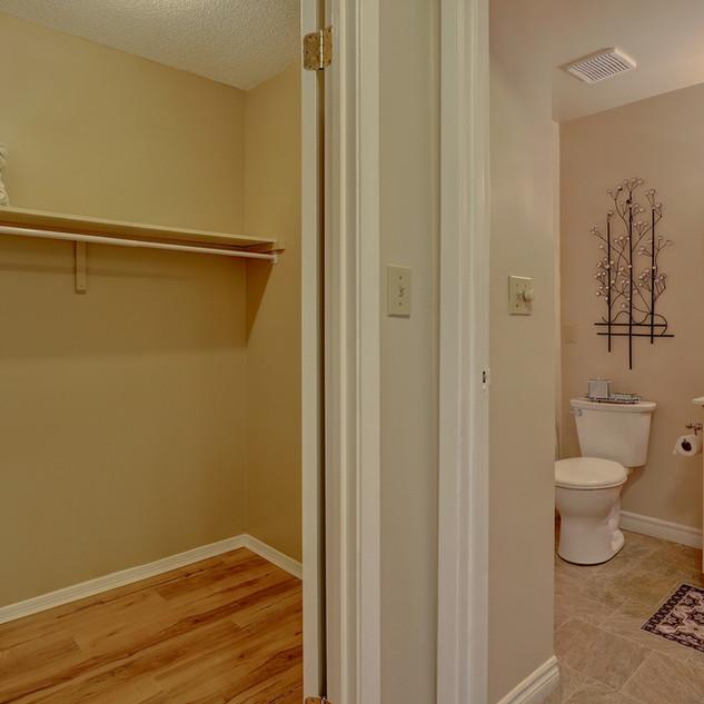Goderich Place Suite closet and bathroom
