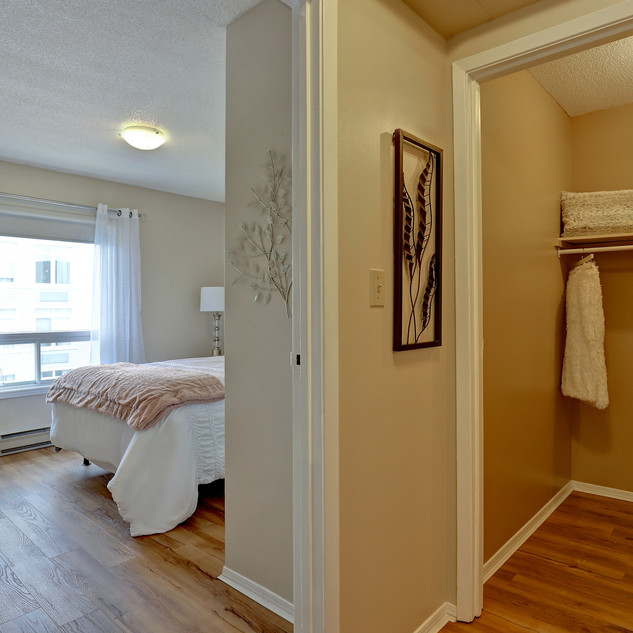 Goderich Place Suite bedroom and closet