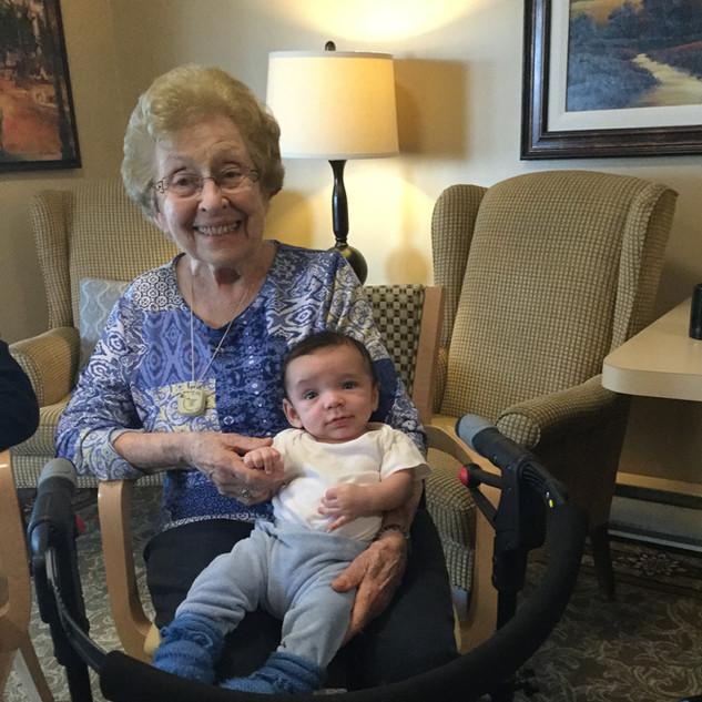 baby visits 2.JPG
