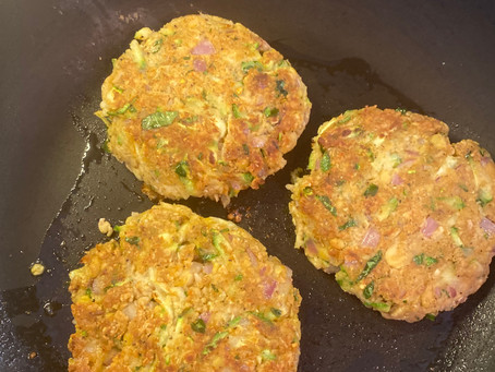 Veggie Chickpea Burgers - are you sure there's no meat in them!