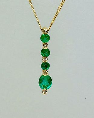 Emerald Diamond Pendant.png