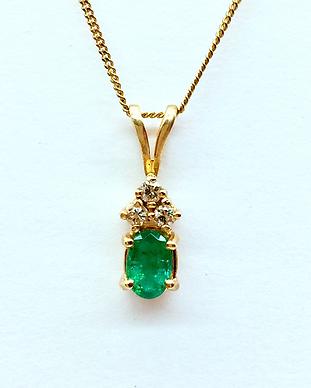 Emerald Diamond Pendant 3.png