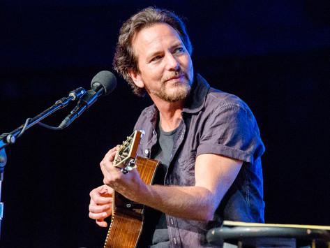"""PEARL JAM'den Eddie Vedder, Yeni Solo Şarkısı """"Long Way""""i Yayınladı! Yeni Solo Albüm Geliyor.."""