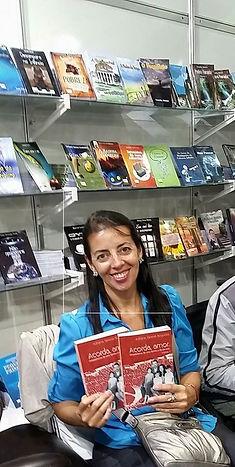 Adriana Tanese Nogueira e Livro.jpeg