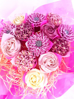Mixed Blooms Teardrop- 13 Cupcakes
