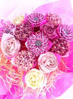 Mixed Blooms Teardrop- 13 Cupcakes