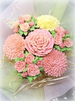 Field Of Flowers - Soft Pink & Cream