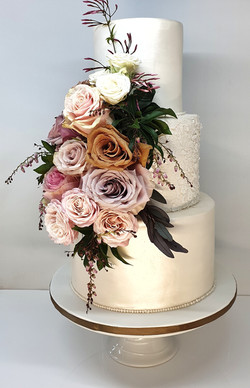 3 tier Pearl with Exotic Roses