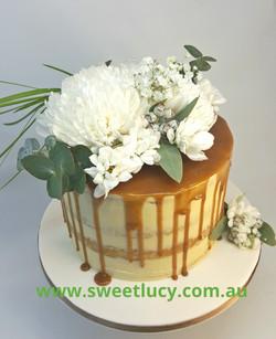 Caramel White Flowers