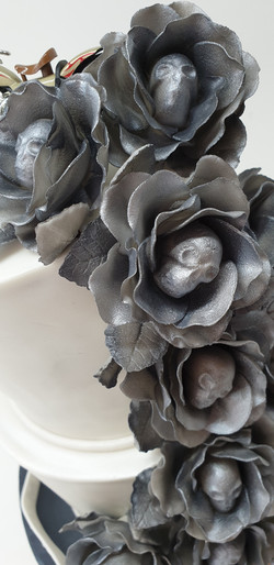 Metallic Skull Roses