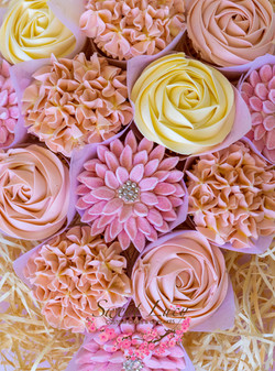 Dusty rose and cream mixed blooms bouque