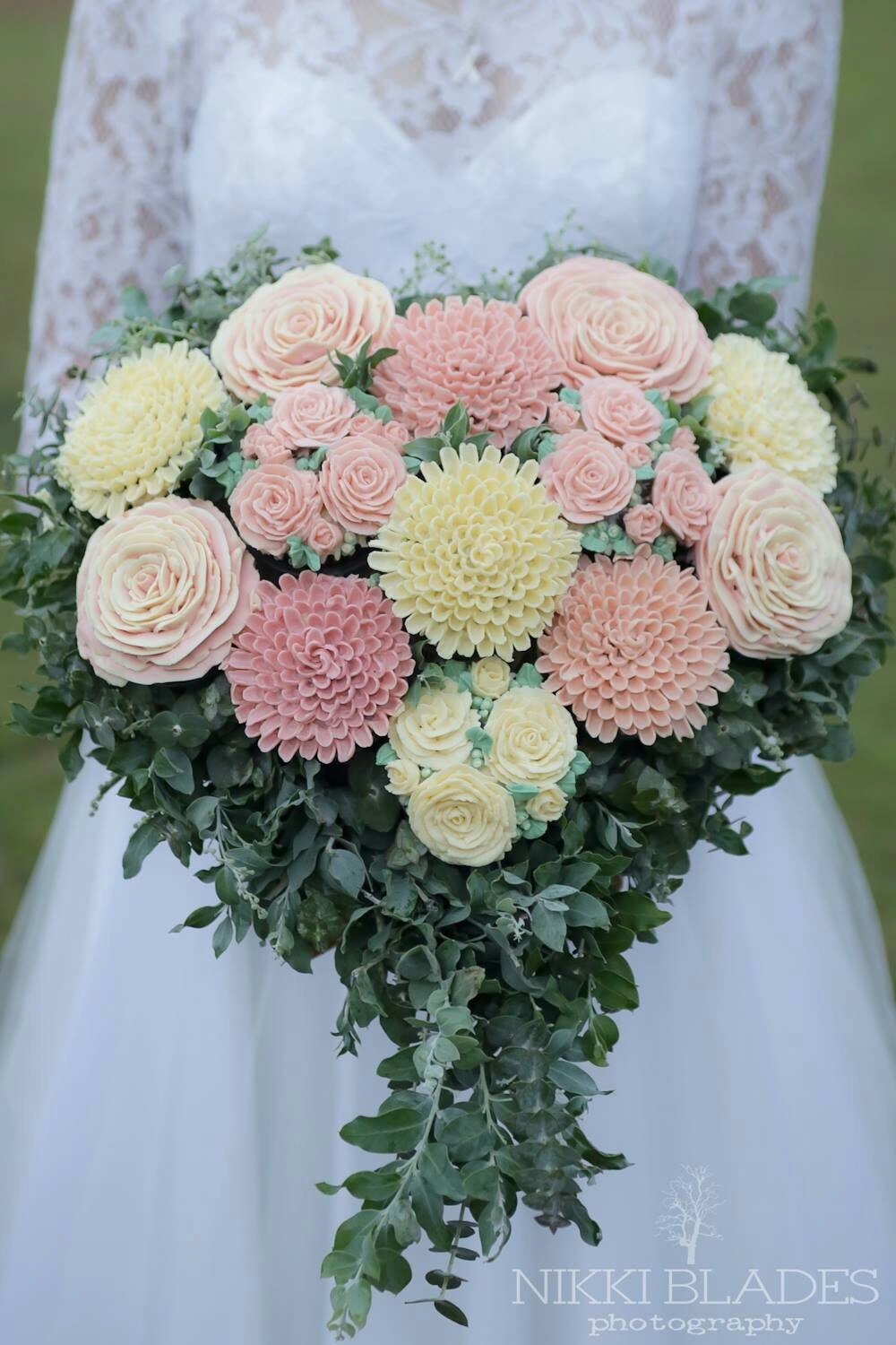 Exclusive Cupcake Bridal Bouquet