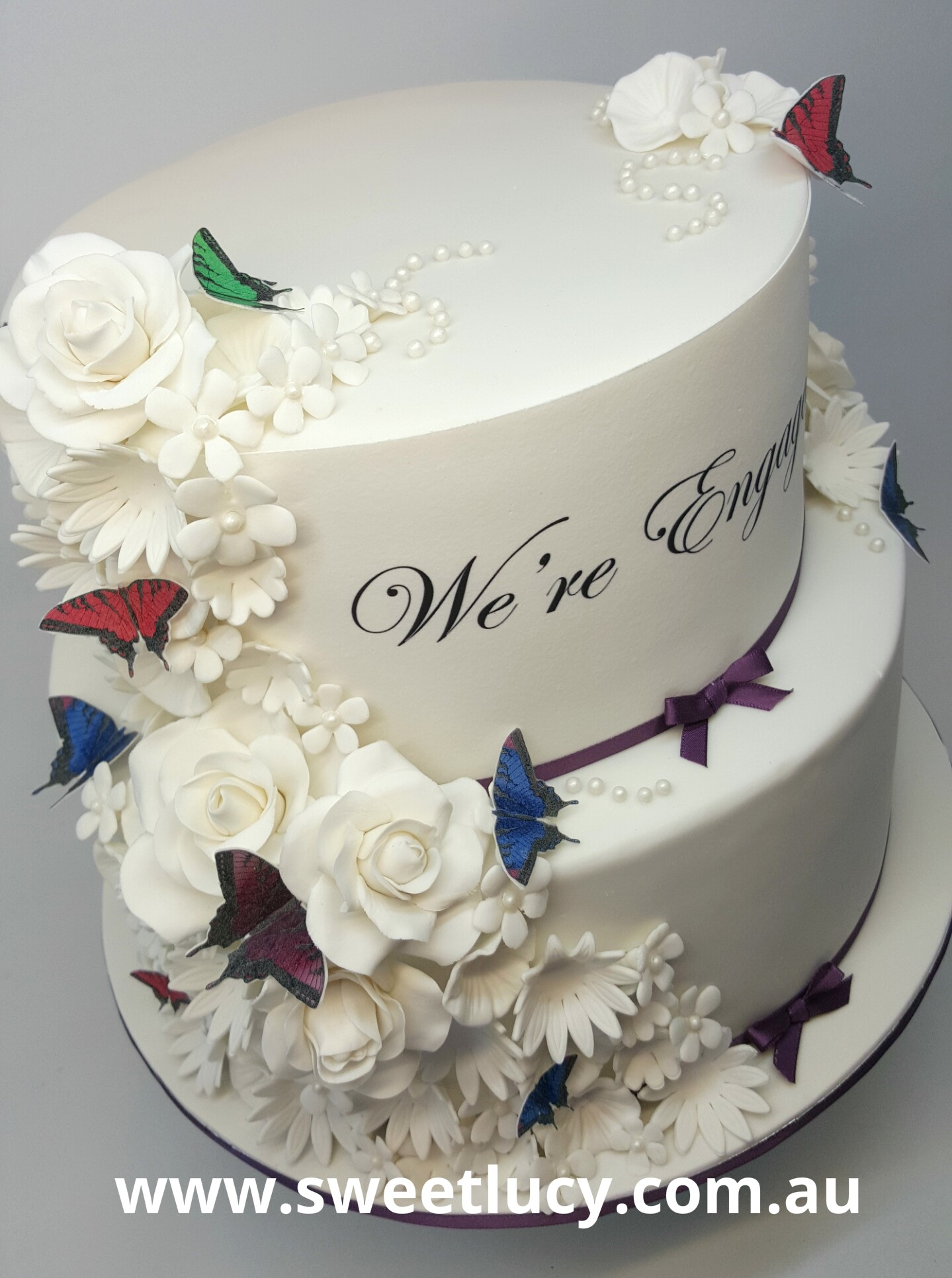 Fondant White Flowers Engagment