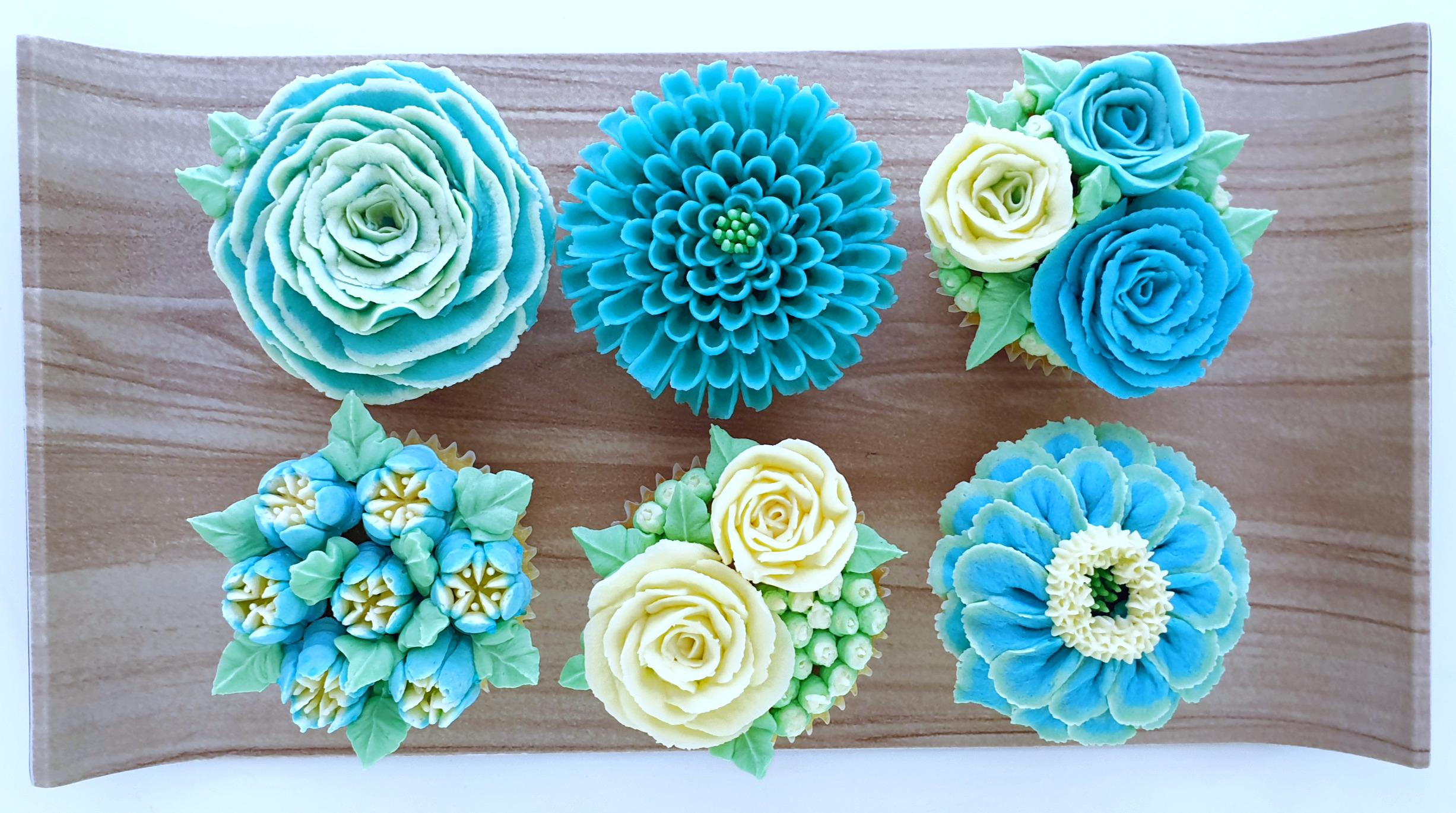 Field of Flowers - Light Blue & Mint