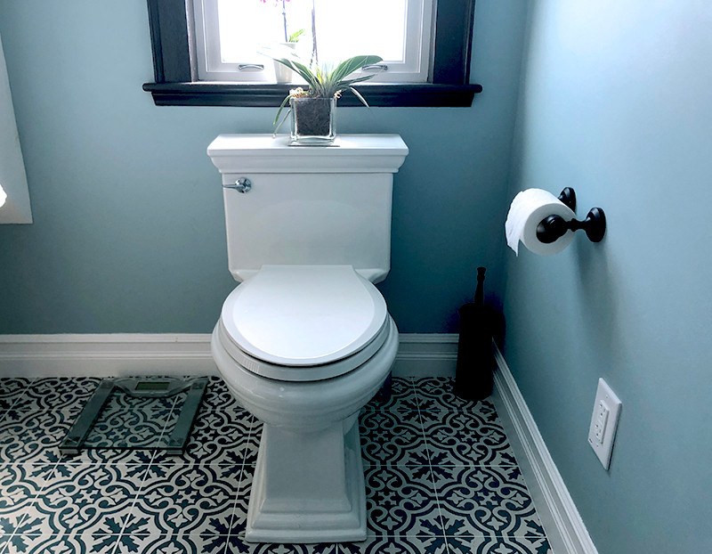 lake-st-3-toilet.jpg
