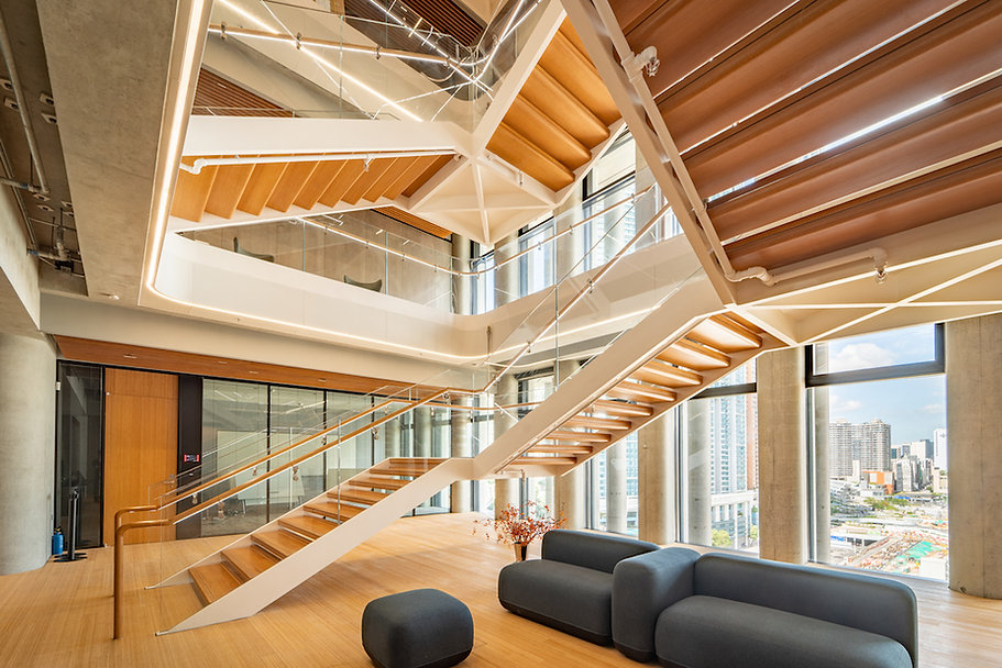RYD-WestKowloon_0122-9F-Reception-Lift-Lobby-Entrance_Brian-Yip-©Ryder-Architecture.jpg