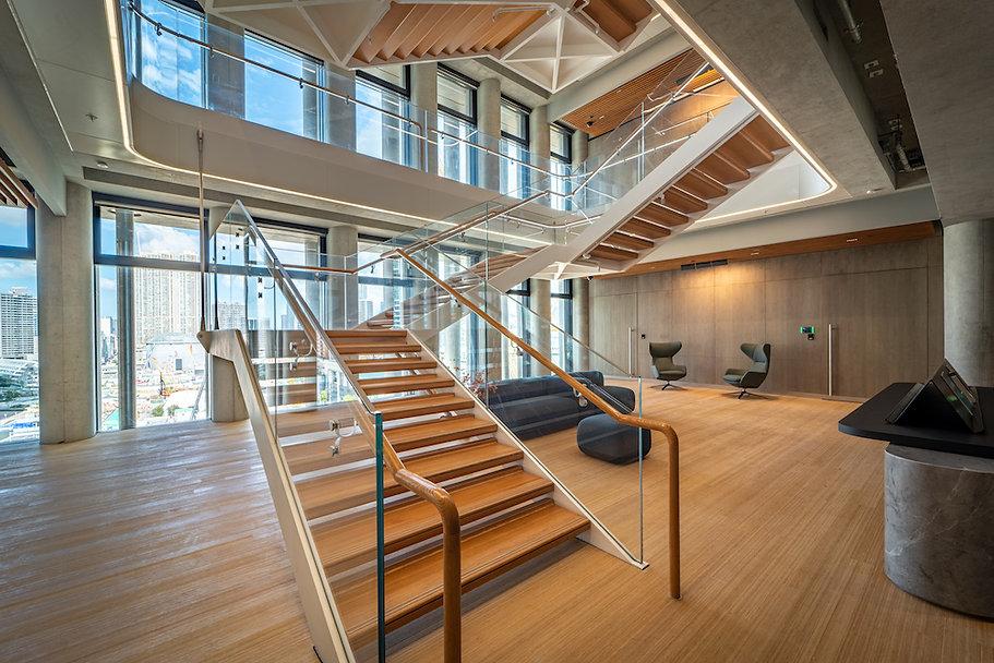 RYD-WestKowloon_0113-9F-Reception-Lift-Lobby-Entrance_Brian-Yip-©Ryder-Architecture.jpg