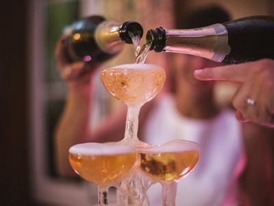 cascade champagne1.jpg