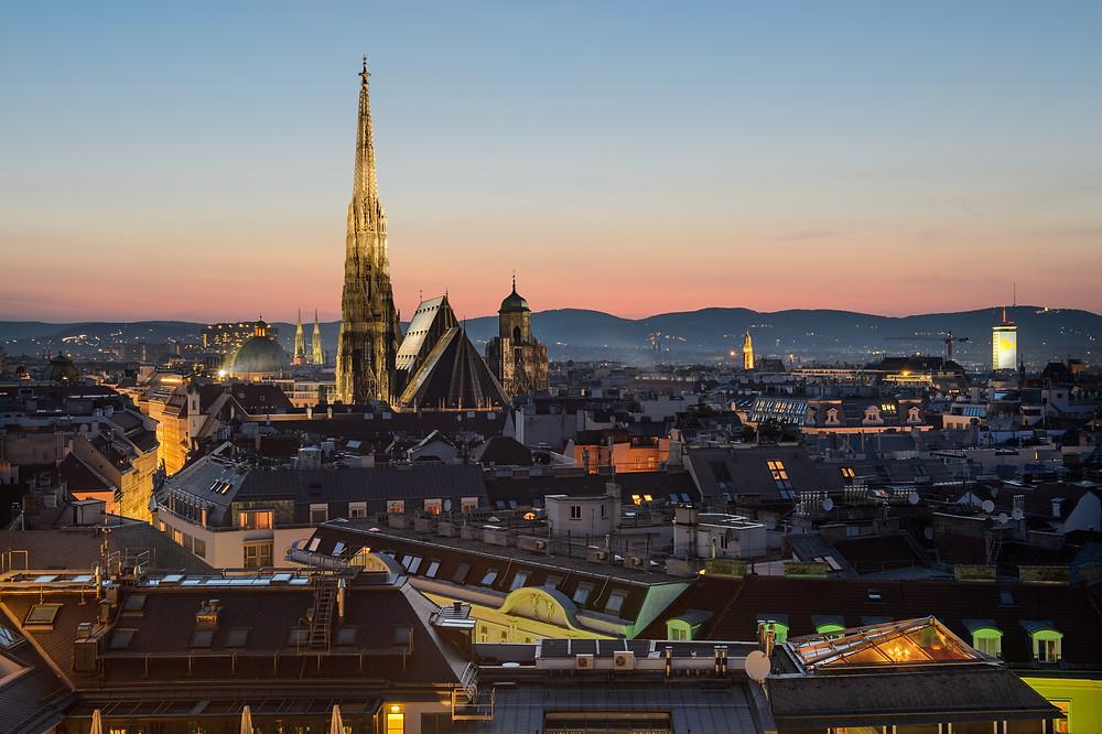 Vienna at night.  Photo credit: Jacke Dylag Unsplash