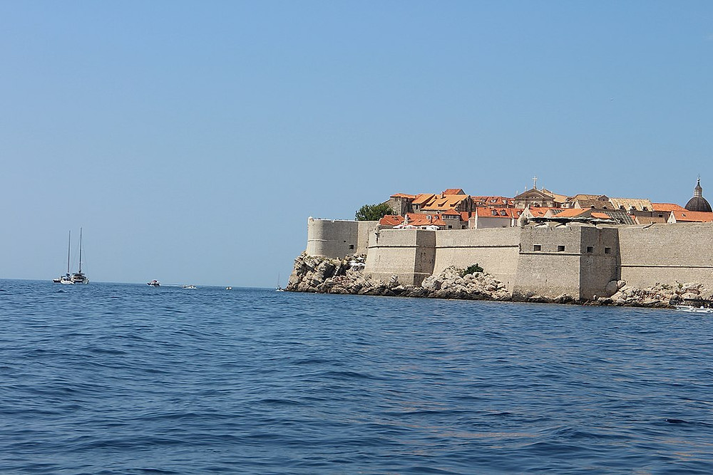 Game of Thrones, City Walls.  Photo: https://commons.wikimedia.org/wiki/File:City_walls_of_Dubrovnik_20180820.jpg