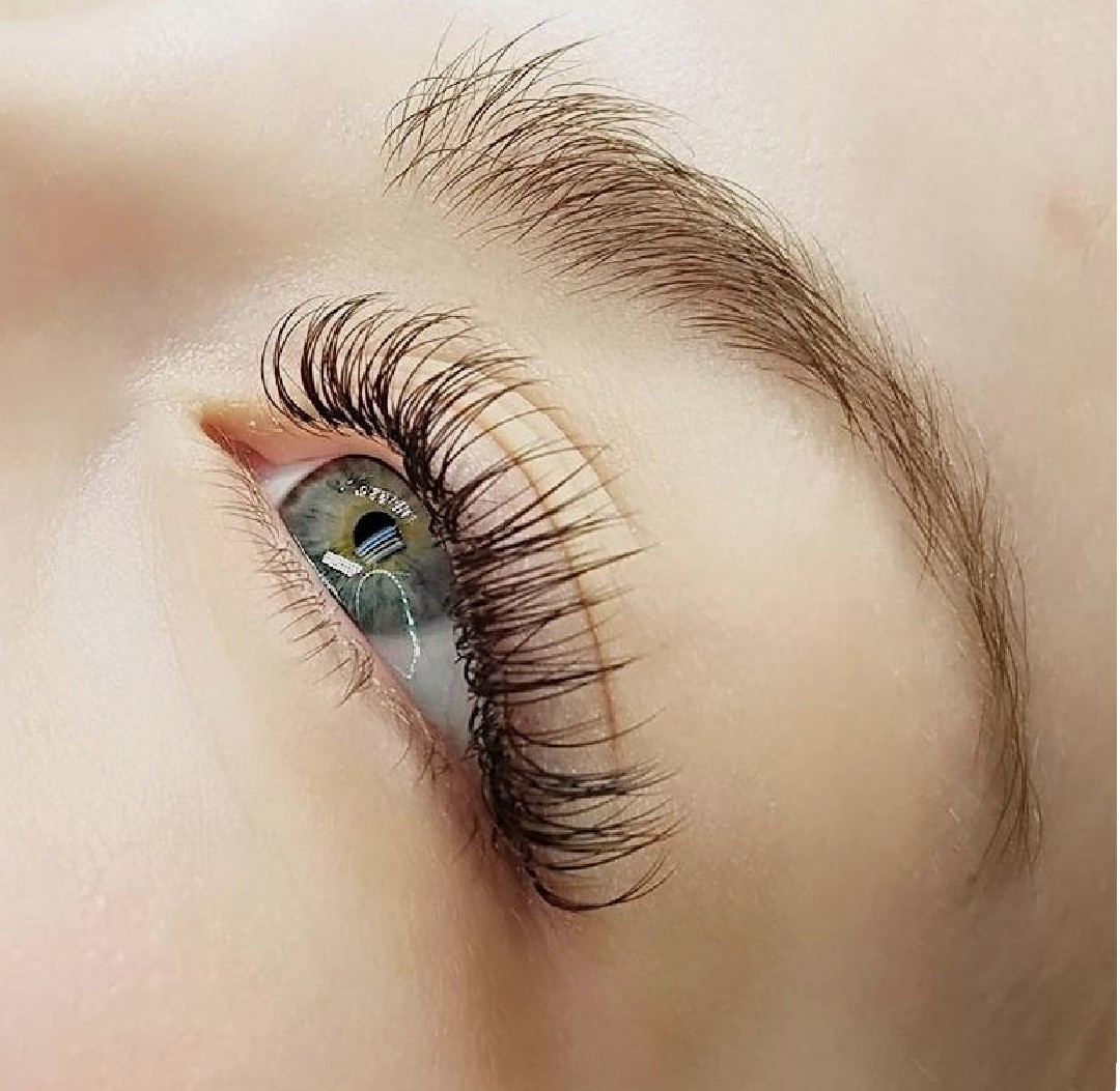 natural classic lash extensions