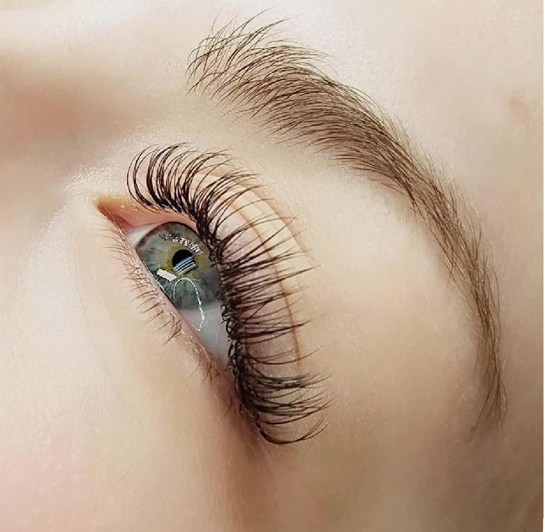 natural classic lash extensions
