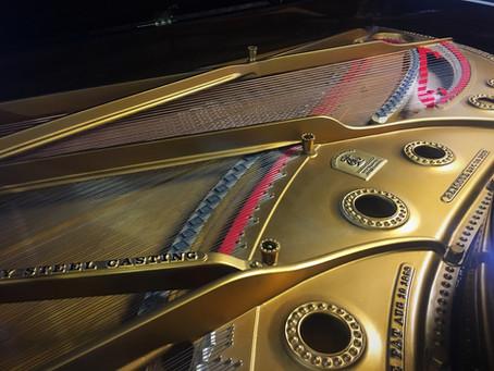 פסנתר כנף עתיקמהמאה ה-19של חברת Steinway & Sons