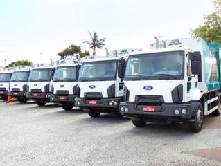 Porto Seguro recebe nova frota de caminhões coletores