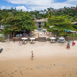 Barraca Pé Roxo Praia Bar