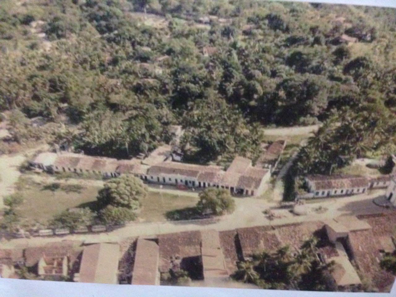 Vista aérea da Praça da Igreja