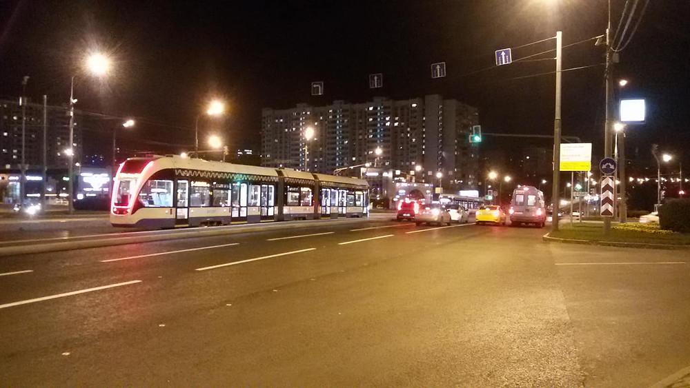 Трамвайный маршрут N1 от Москворецкого рынка до улицы Академика Янгеля