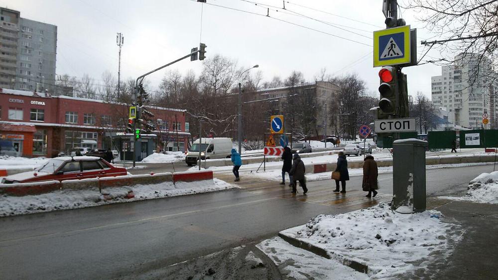 Новый светофор на ул.Каховка у поликлиники