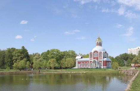Митинг против строительства церкви в парке Зюзино