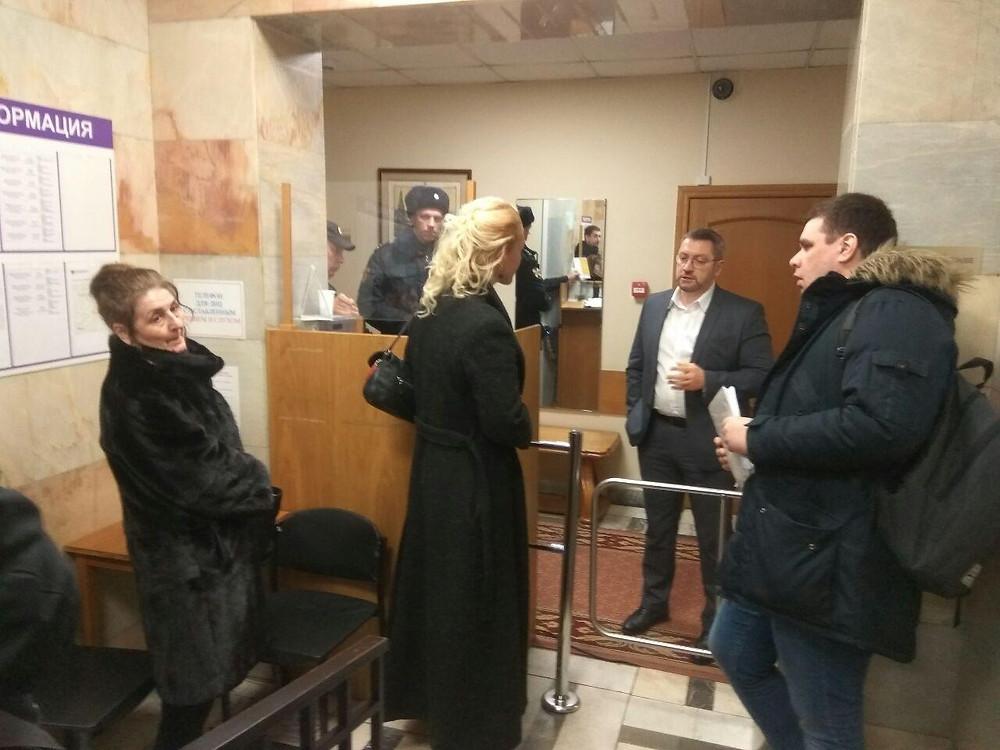 Анастасия Ракова не хочет принимать муниципальных депутатов Зюзино, представителей профсоюзов и врачей