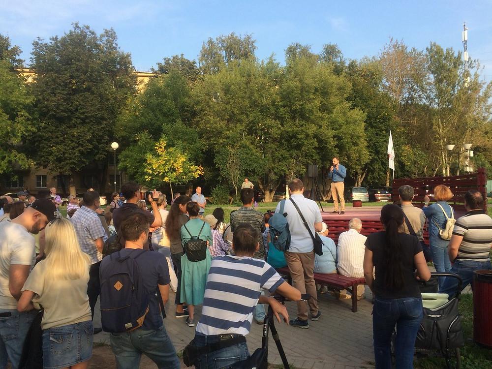 Митинг жителей дома ул. Азовская, д. 24, корп. 2