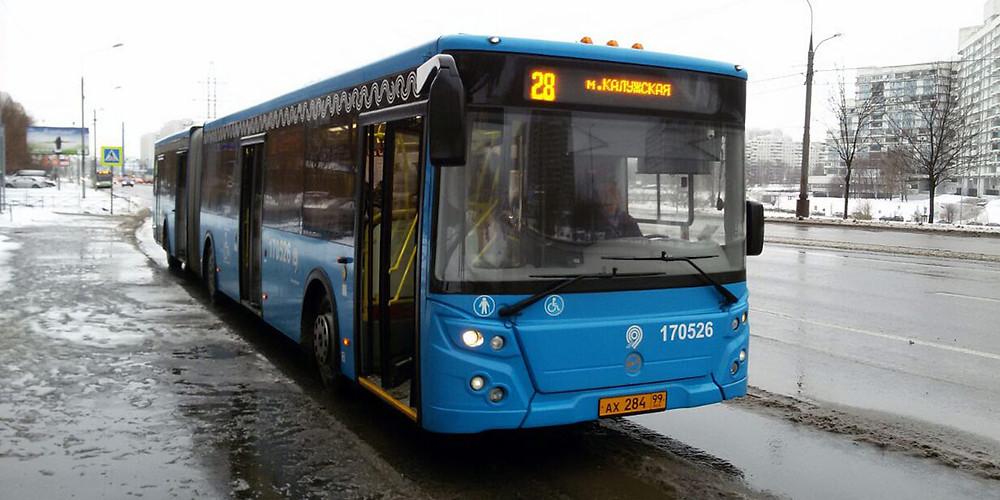 Автобусы 28 и 826 маршрутов в ЮЗАО перейдут на работу без турникетов