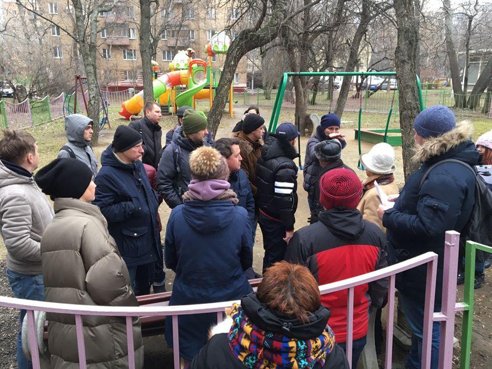 Штаб Зюзино обсуждает благоустройство района с жителями. Чонгарский бульвар, 28