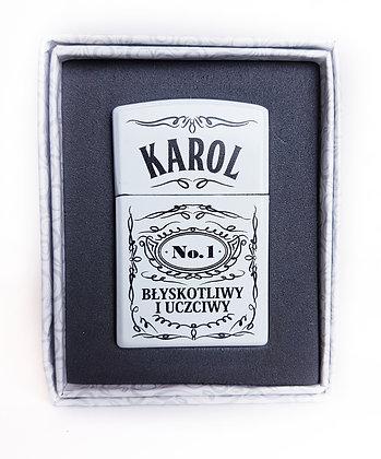 Zapalniczka z imieniem w ozdobnym pudełeczku KAROL