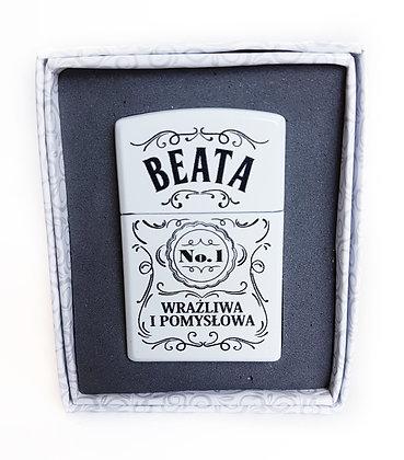 Zapalniczka z imieniem w ozdobnym pudełeczku BEATA