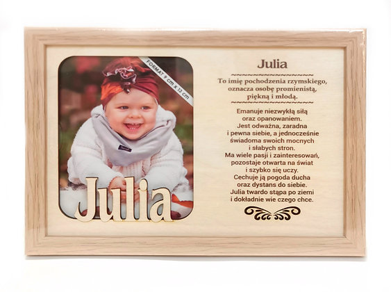 Drewniana ramka na zdjęcie z imieniem JULIA