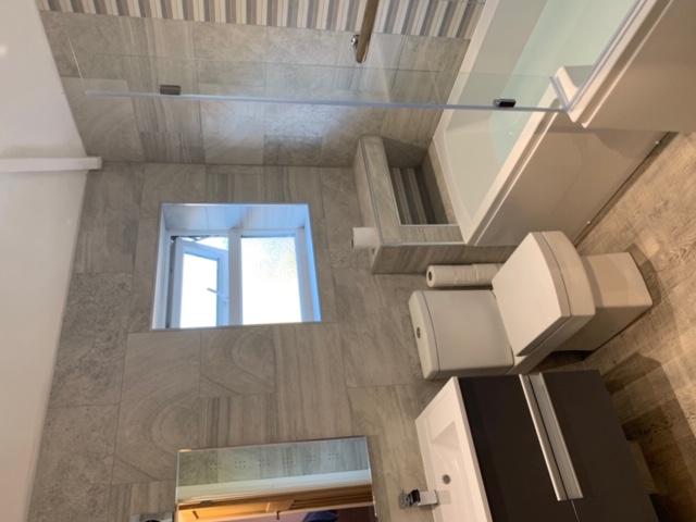 Quality bathroom design & fit 3
