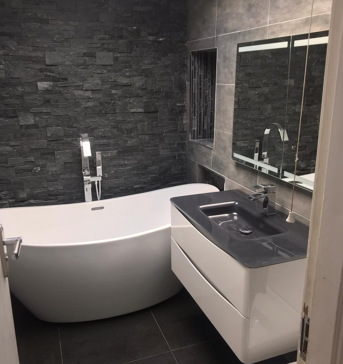 Leeds fitted bathrooms. 5