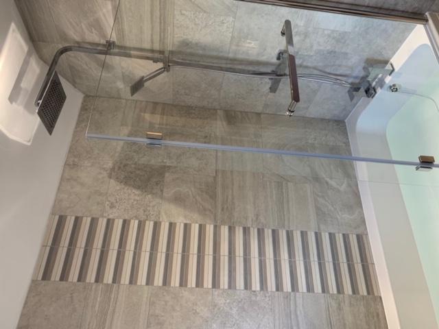 Quality bathroom design & fit 1