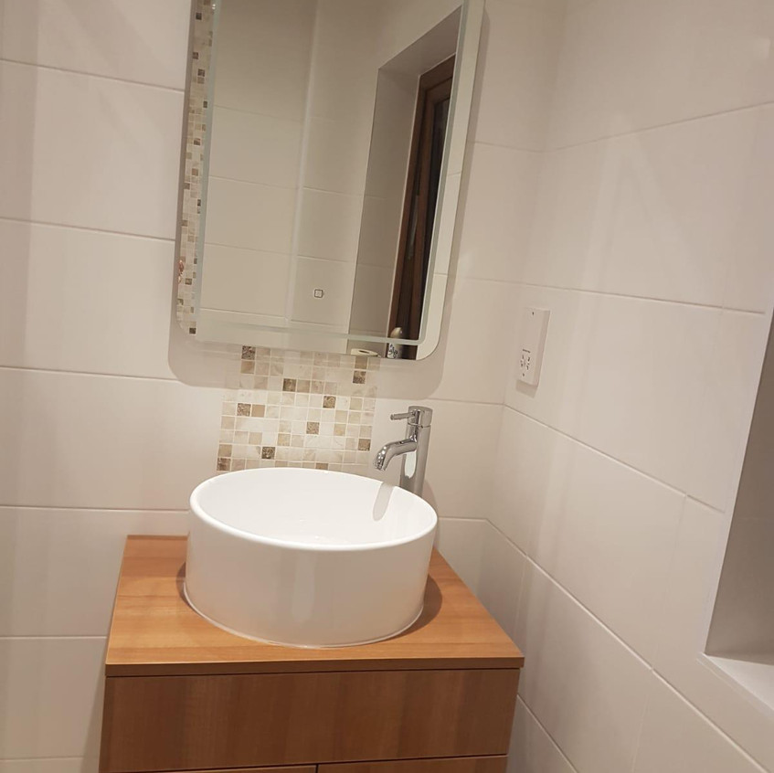 Leeds. Fitted kitchens & Bathrooms