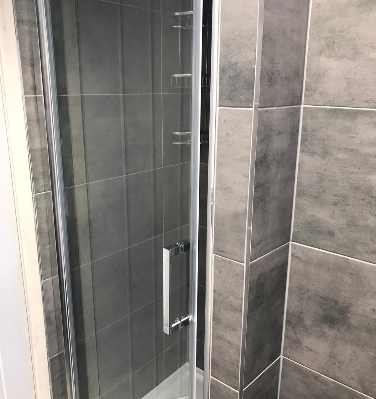 Leeds fitted bathrooms. 2