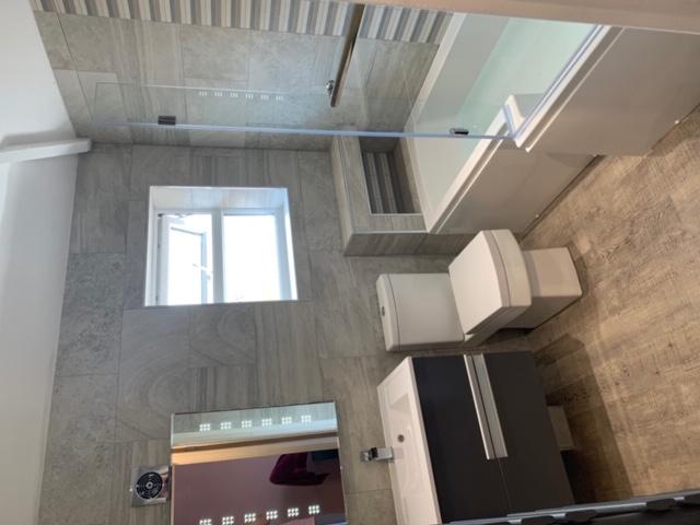 Quality bathroom design & fit 4