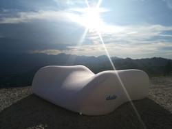 Elativ orthopädisches Kissen mit Extension Streckung im Nackenbereich gegen Nackenschmerzen Berg 01