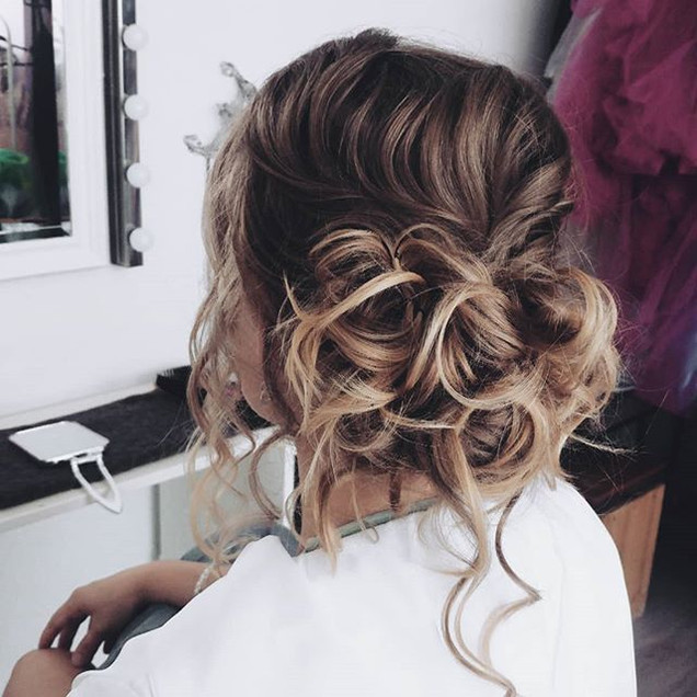 Romance as it finest, created this updo