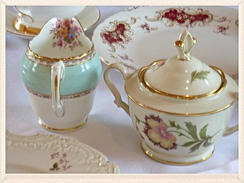 Vintage cream jug / sugar bowl