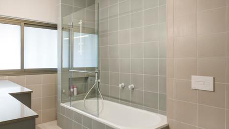 חדר אמבטיה #2